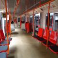 Praha zkouší nové sedačky v metru