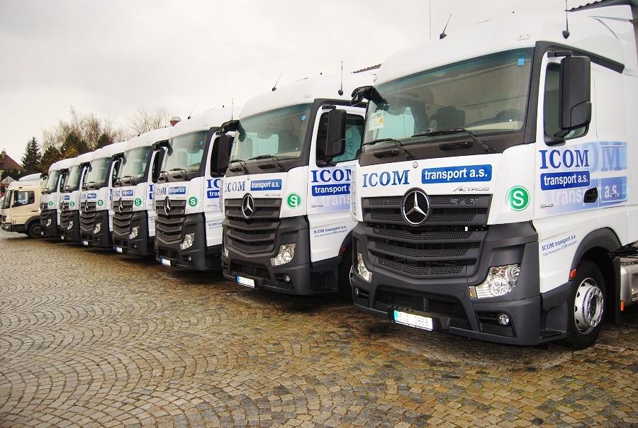 Flotila 300 nákladních vozů Mercedes - Benz Actros , průměrné stáří 2,5 roků, 56% s motorem Euro 6, foto: Zdeněk Nesveda