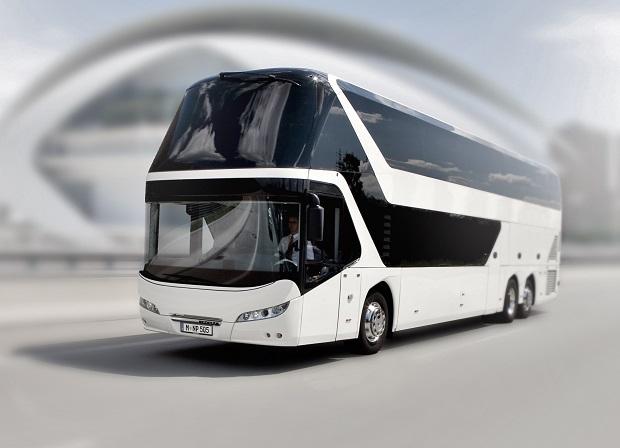 P_Coach_EST_Skyliner-01