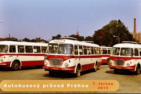 Autobusový  průvod Prahou