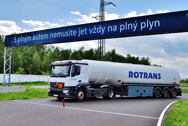 DEKRA_ Bezpečná_jízda_cisterny 19