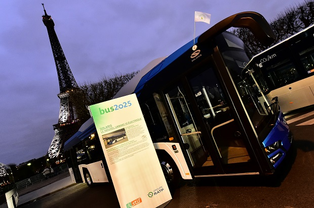 paris_has_started_testing_solaris_new-generation_electric_bus_(1)_fot__franck_foucha_