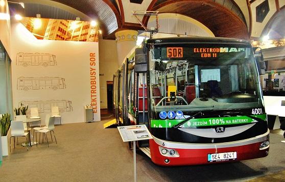 Elektrobus SOR EBN 11, který absolvuje testování v Praze, se zastavil také na veletrhu CZECHBUS 2015, foto: Zdeněk Nesveda