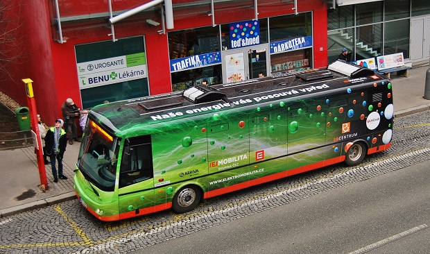 Od února 2016 jsou v provozu na linkách BB1 a BB2 v Praze 4 dva elektrobusy SOR EBN 9,5 (foto: Zdeněk Nesveda)