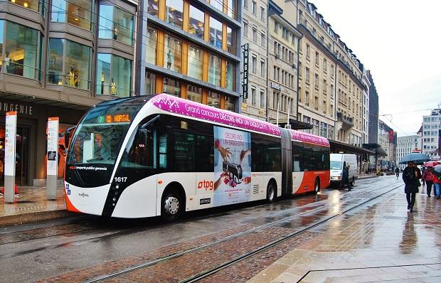 Van Hool ExquiCity 18 trolejbus Ženeva 2016_ Zdeněk Nesveda 1