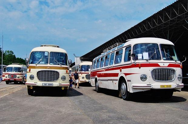 Sraz historických autobusů RTO klubu v Lešanech v roce 2016 (foto: Zdeněk Nesveda)