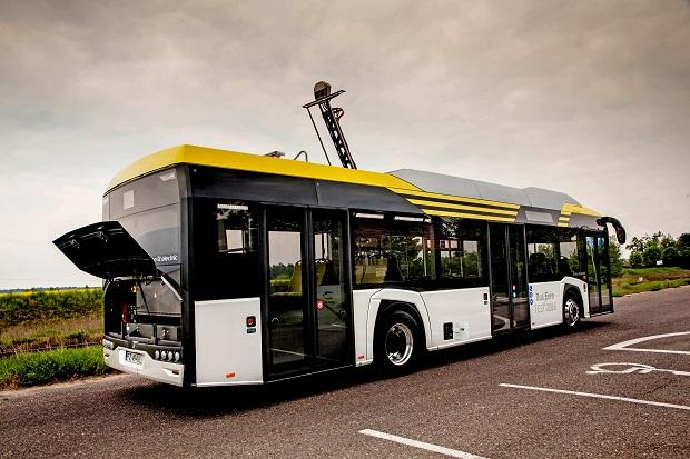 new_solaris_urbino_12_electric_bus_euro_test_2016_(2)
