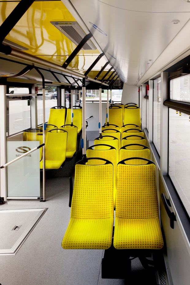 new_solaris_urbino_12_electric_bus_of_the_year_2017_(3)