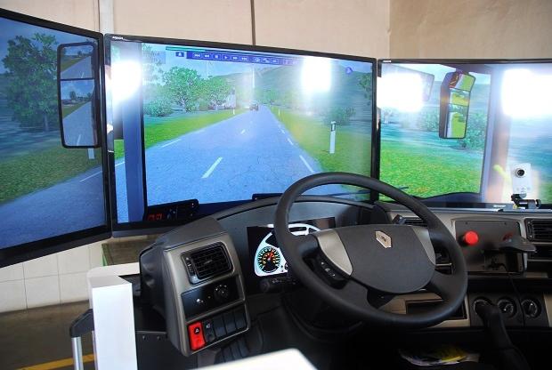 Řidičský simulátor Arriva (foto: Zdeněk Nesveda)