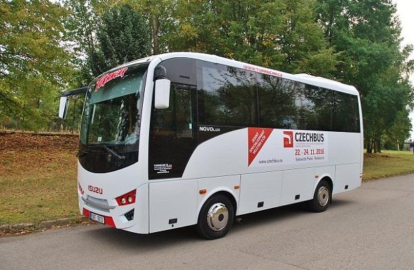 autobus-isuzu-novo-lux-2016_1
