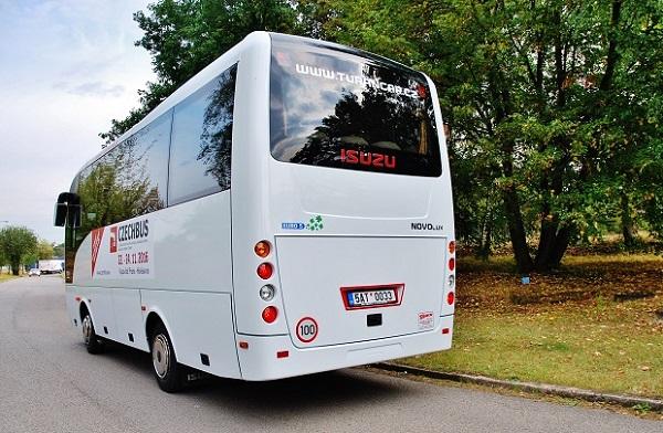 autobus-isuzu-novo-lux-2016_2