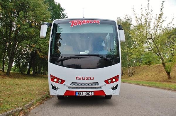autobus-isuzu-novo-lux-2016_3