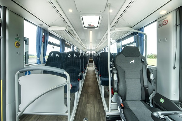 The optimised seating arrangement in the MAN Lion's Intercity C provides seats for up to 63 passengers. DE: In dem sitzplatzoptimierten MAN Lion's Intercity C finden maximal 63 FahrgÀste einen Sitzplatz UK: The optimised seating arrangement in the MAN Lion's Intercity C provides seats for up to 63 passengers.