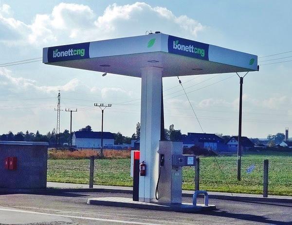 bonett-cng-stanice-hradec-kralove-koutnikova_02
