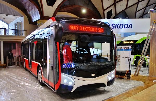 Nový elektrobus SOR NS 12 Electric poprvé představený na veletrhu CZECHBUS 2016 v Praze (foto: Zdeněk Nesveda)