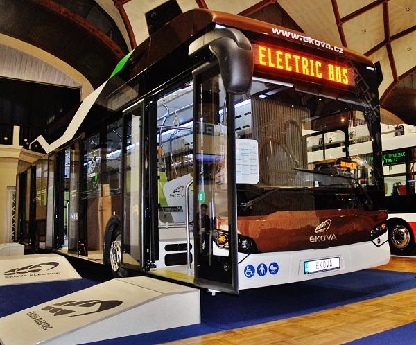 České elektrobusy na veletrhu CZECHBUS 2016 v Praze, foto: Zdeněk Nesveda