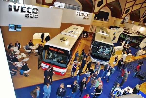 Iveco Bus na veletrhu CZECHBUS 2016 v centru zájmu návštěvníků. foto: Zdeněk Nesveda