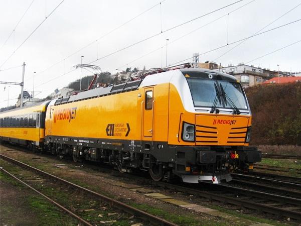 Od neděle 11. prosince 2016 spojily nově pravidelné dálkové vlaky RegioJet až 3x denně v každém směru, foto: RegioJet