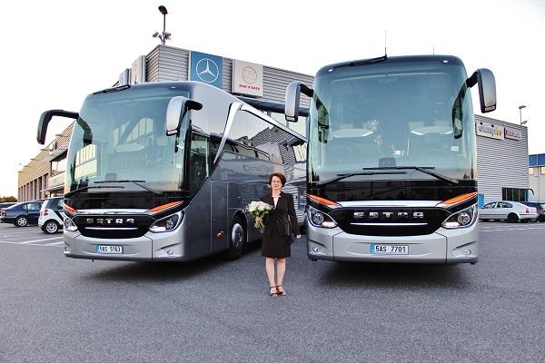 Dva autokary Setra 516 HDH TopClass pro společnost Katev Travel, foto: EvoBus