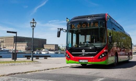 Ve Stockholmu je nasazeno 8 dvanáctimetrových elektrických hybridních autobusů Volvo 7900 Electric Hybrid