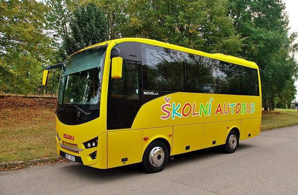 Novinka školní autobus ISUZU Novo Lux ( foto: Zdeněk Nesveda)
