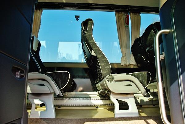 Maximálně vypracovaná pohodlná sedadla, v tomto modelu je pouhých 44 míst, tak že, pro cestující jsou vytvořené komfortní podmínky, foto: Zdeněk Nesveda