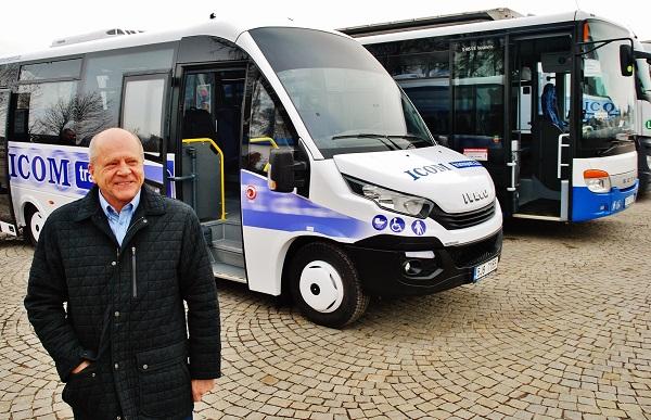 Zdeněk Kratochvíl, generální ředitel ICOM transport přestavuje nejnovější přírůstek do autobusové rodiny nový Rošero First, foto: Zdeněk Nesveda