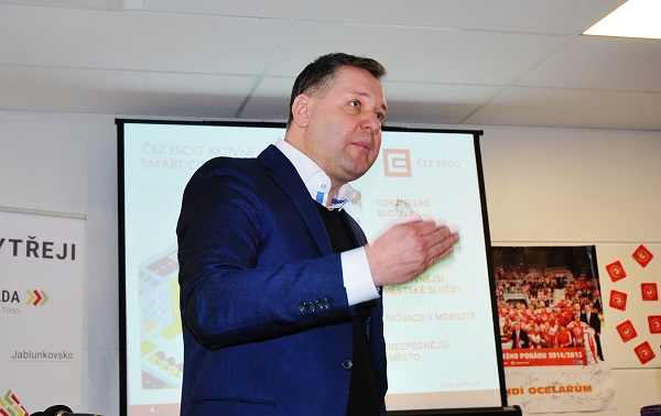 Kamil Čermák generální ředitel ČEZ ESCO, na konferenci o elektromobilitě v Třinci při své sugestivní přednášce, ke které se ještě určitě také vrátím, foto: Zdeněk Nesveda