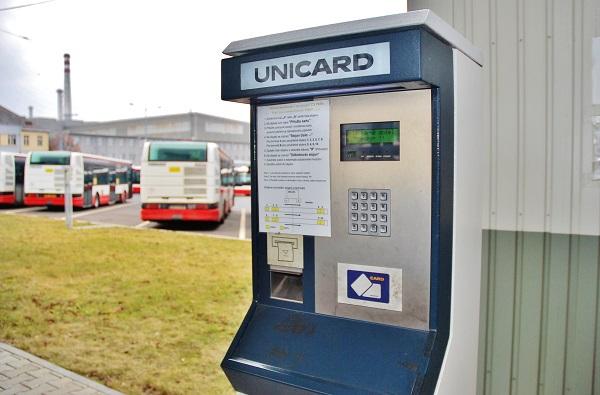 PMDP, nejmodernější evropské depo pro autobusy a trolejbusy. Výdejní stojan pro bezobslužné tankování pohonných hmot (foto: Zdeněk Nesveda)