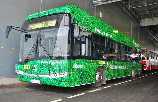 PMDP, nejmodernější evropské depo pro autobusy a trolejbusy. Hybridní autobus Škoda (foto: Zdeněk Nesveda