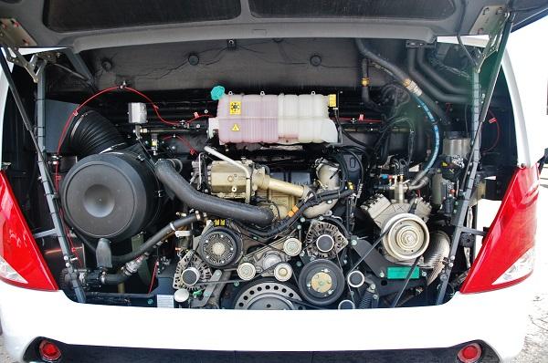 Tourliner má k dispozici výběr hned ze třech motorů MAN o obsahu 12 419 cm³ s výkonem 420, 460 a 500 koní, foto: Zdeněk Nesveda