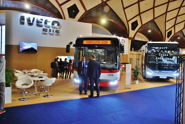 CZECHBUS 2016, česká premiéra multifunkčního linkového autobusu IVECO EVADYS, společnost IVECO Bus pro letošní rok zvětšila výstavní plochu z 240m2 na 400, foto: Zdeněk Nesveda