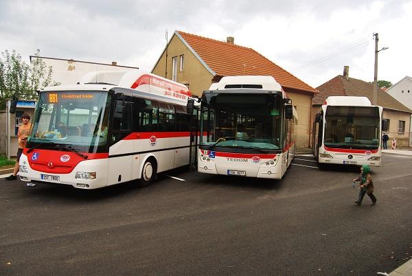 Flotila CNG autobusů ČSAD MHD Kladno, která obsluhuje linky PID (foto: Zdeněk Nesveda)