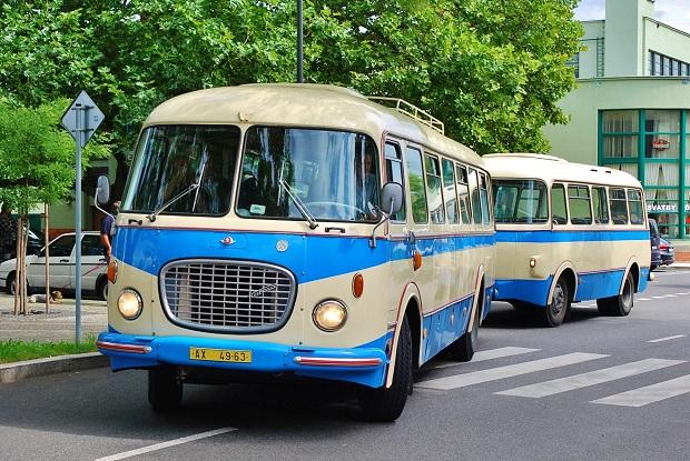 Historický autobus Škoda 706 RTO KAR, podobný jako bude jezdit při slavnostním zahájení PID v Nymburce. (ilustrační foto: Zdeněk Nesveda)