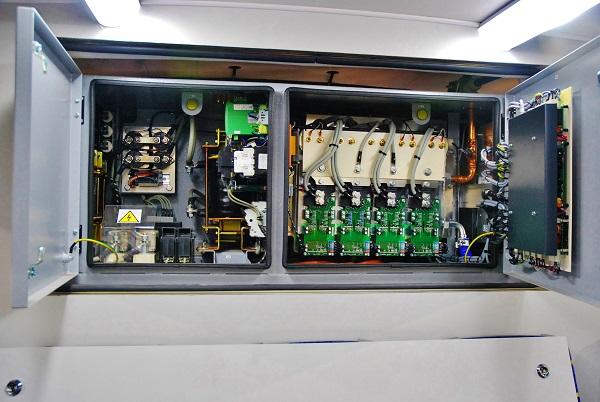 SOR EBN 11, pohled do elektrické instalace (foto: Zdeněk Nesveda)