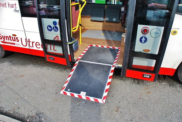 Prestižní zakázka městských autobusů ROŠERO pro nizozemskou dopravní společnost Syntus Utrecht: (foto: Zdeněk Nesveda)