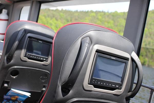 Auto - Bus.cz - kompletní instalaci multimediálního systému FUNTORO (foto: Auto - Bus.cz)
