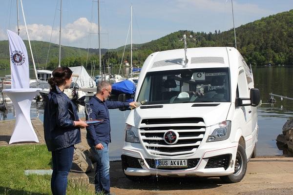 Prezentace nového obojživelného vozidla - autobusu ENJOY TECH LIMITED BUS AKVA 1 (foto: Auto-Bus.cz)