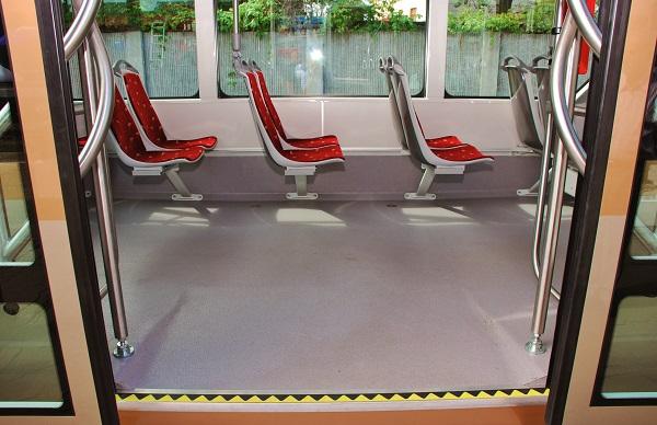 Altro Transport, podlahovina s vysokou životností vhodná pro všechna vozidla veřejné hromadné dopravy (foto: Anvi Trade)