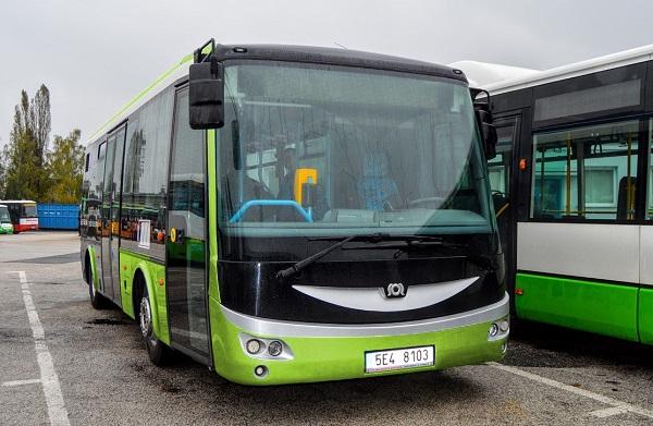 Přelomový okamžik, první české město se stoprocentní bezemisní MHD provozovanou bateriovými elektrobusy (foto: 3ČSAD)