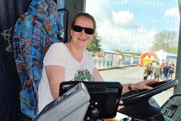 Den s ICOM Transport 2017 ve Slaném. Ženy za volantem autobusů nebo náklaďáku dnes nejsou výjimkou (foto: Zdeněk Nesveda)