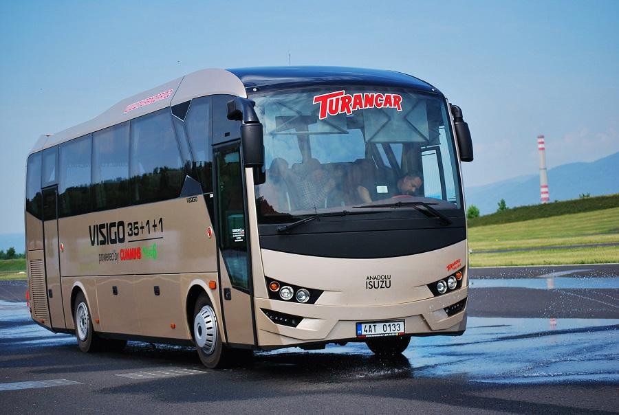 Autobus ISUZU VISIGO při testování na polygonu v Mostě (foto: Zdeněk Nesveda)