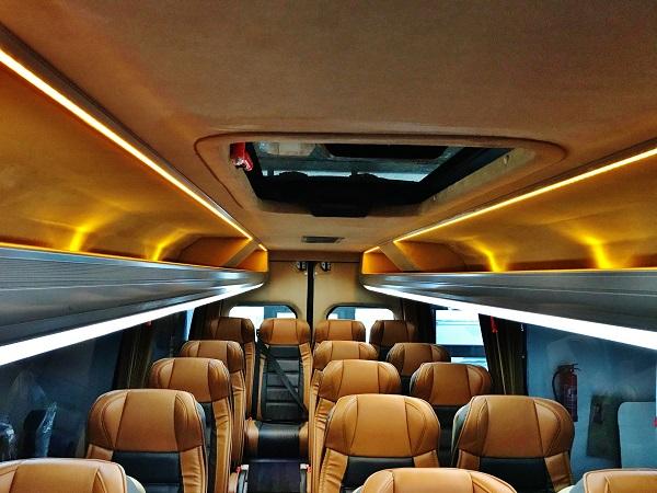 Mercedes - Benz Sprinter 519 CDI 19 +1 pro společnost RUBEŠ autobusová zájezdová doprava ( foto: KHMC)