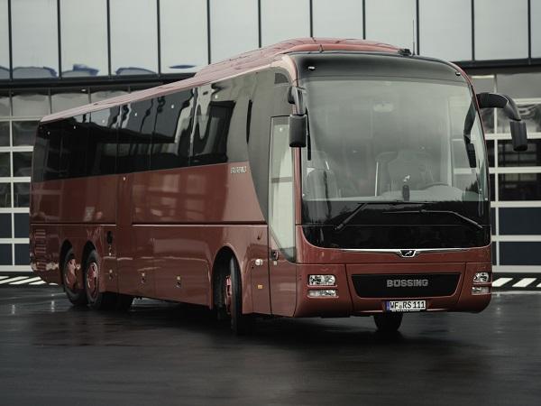 """Počátkem května v MAN Modification Center v Plauen převzal dopravce DER SCHMIDT první čtveřici autobusů edice """"Büssing Edition""""."""