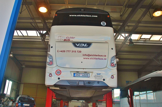 Nové moderní servisní centrum EichlerBus v Divišově složí k záručním a pozáručním opravám a servisu autobusů značky VDL (foto: Zdeněk Nesveda)