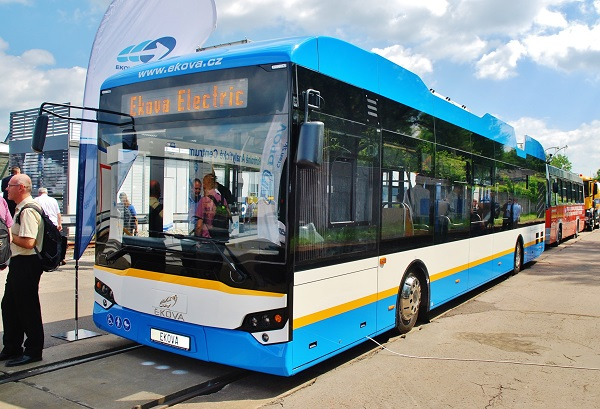 Například i v nejnovějším trolejbusu EKOVA najdete podlahu Altro Transflor (foto: Zdeněk Nesveda)