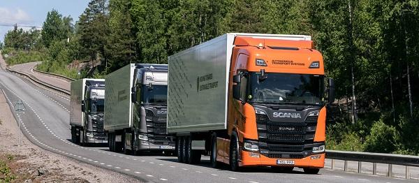 Do roku 2023 by mělo být možné jezdit na dálnicích po celé Evropě v konvojích (foto: Scania)