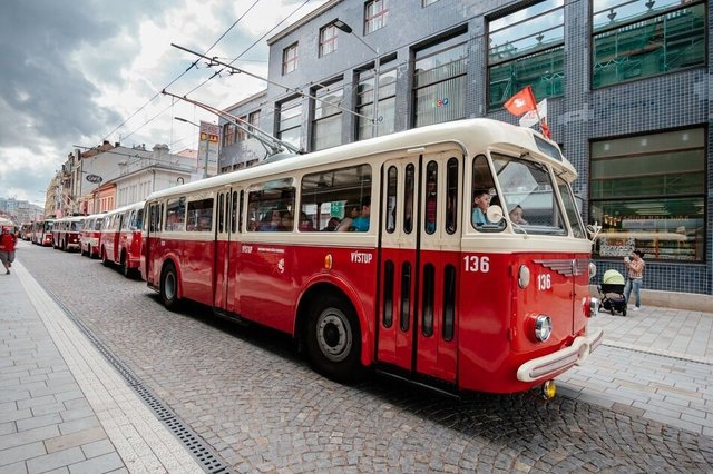 Trolejbus Škoda 8Tr číslo 136 (foto: DPMP)