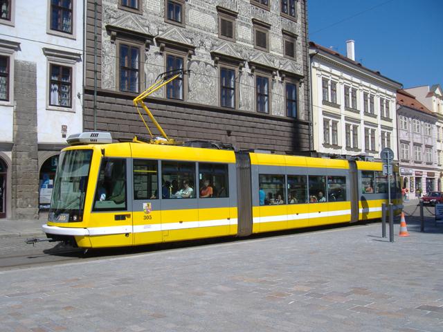 Plzeňské městské dopravní podniky (PMDP) nainstalují postupně do svých autobusů, trolejbusů a tramvají kamery (ilustrační foto: PMDP)
