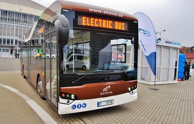 100% čistý elektrický pohon u bateriového autobusu EKOVA ELECTRON (ilustrační foto: Zdeněk Nesveda)